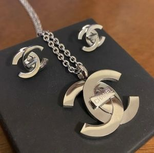 Gorgeous 💜 Silver Set